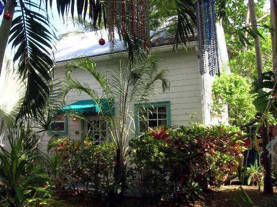 Key West Harbor Inn: Carriage house where our room was