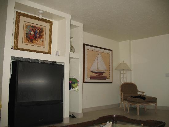Golden Strand Ocean Villa Resort: Room