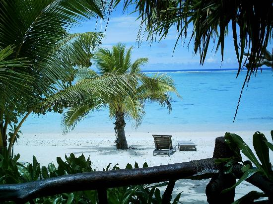 Pacific Resort Aitutaki: The view from our bungalow