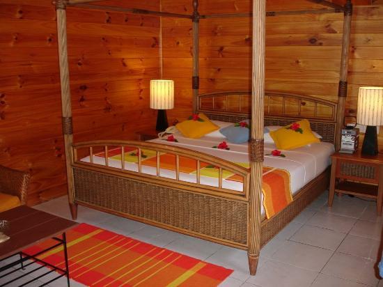 Meeru Island Resort & Spa : Beach Villa Inside
