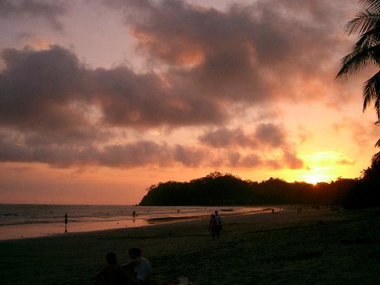 Hotel Casa Valeria Samara: Sunset, Playa Samara