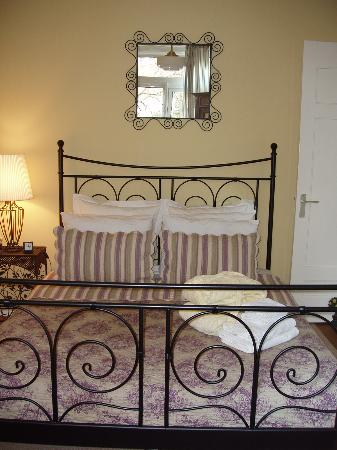 Boogaard's Bed and Breakfast: Comfy Bed!