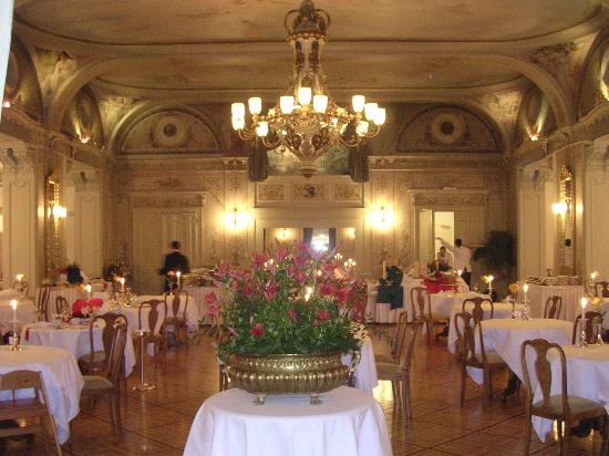 Exceptional Grand Hotel Kronenhof: Hotel Dining Room Part 14