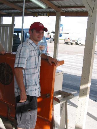 Petit St. Vincent Resort: Barbados airport