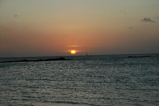 Bucuti & Tara Beach Resort Aruba: Sunset at Flying Fishbone Restaurant