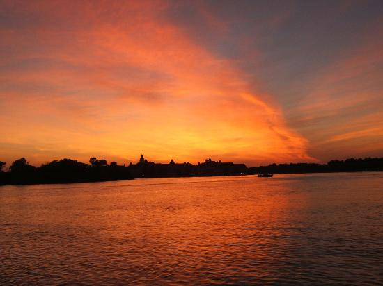 Клируотер, Флорида: Sunset over The Grand Floridian, Walt Disney World FL
