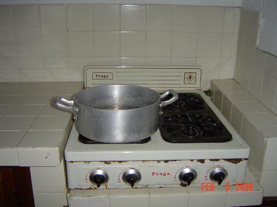 Emperador Vallarta Beachfront Hotel & Suites: the stove