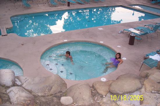 Brookside Resort: Brave enough to swim