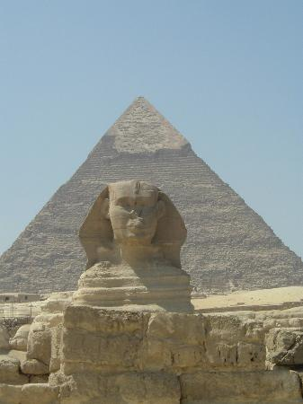 Kairo, Mesir: Sphinx and Pyramid