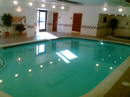 Hampton Inn Sacramento/Rancho Cordova: Pool