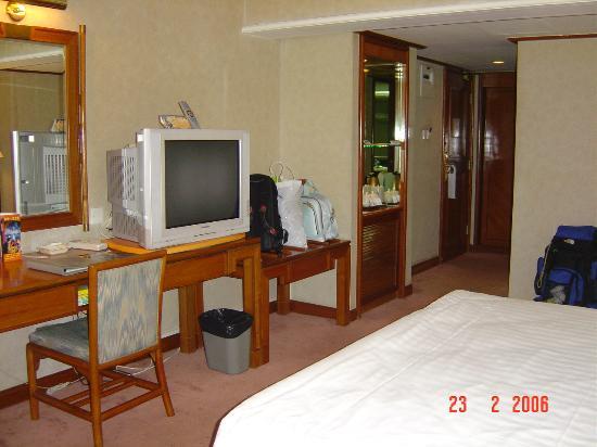 Gitic Riverside Hotel : room2