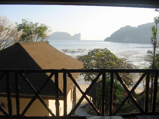 Arayaburi Resort - Phi Phi Island: View from balcony