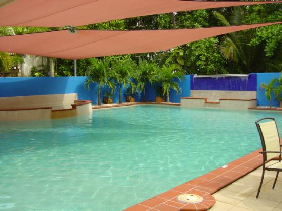 Central Plaza Port Douglas: the pool