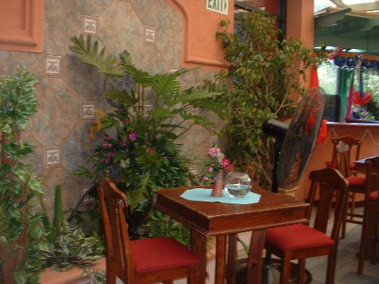 Chaconia Hotel: Outdoor eating area