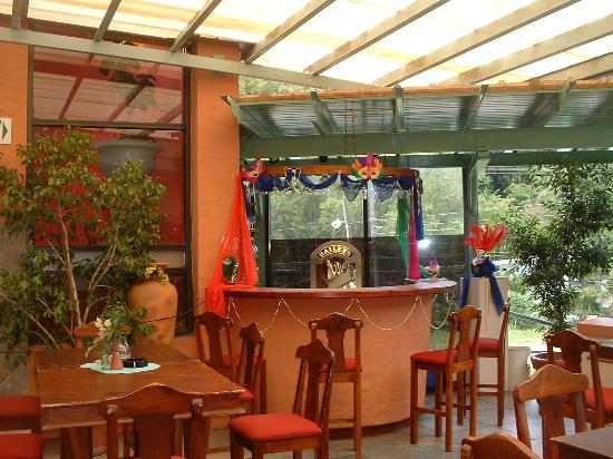 Chaconia Hotel : Outdoor eating area again