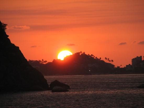 Acapulco, Mexico: sunset from bay