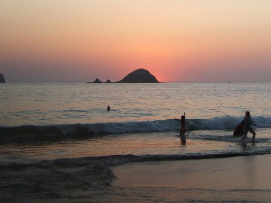 "Hotel Fontan Ixtapa: Beach Sunset outside Fontan behind ""Whale Island"""