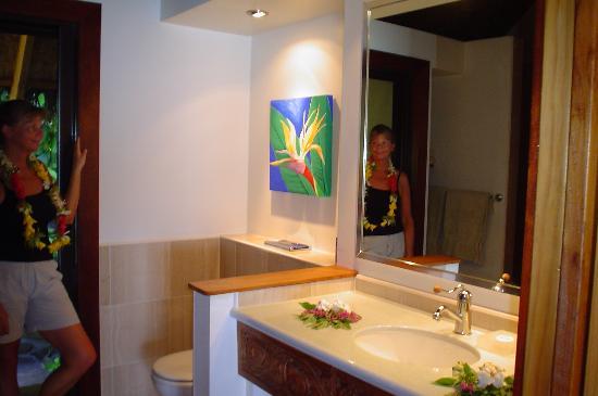 Etu Moana: Bathroom