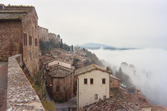 Sant' Antonio: Montepulciano in the Dragon's Breath