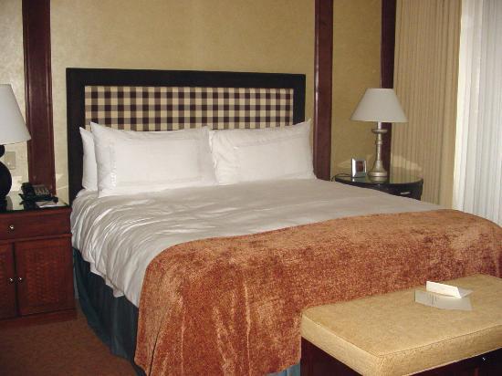 Four Seasons Resort and Residences Whistler: deluxe room