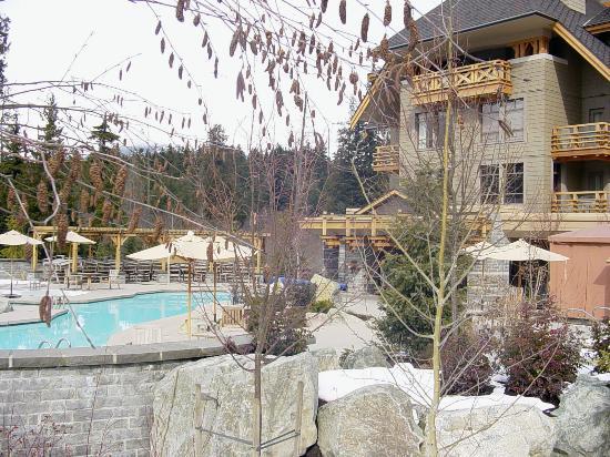 Four Seasons Resort and Residences Whistler: pool