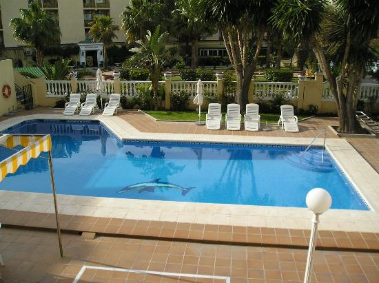 Piscina picture of essence hotel boutique by don paquito for Piscina torremolinos