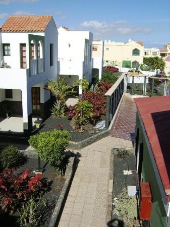 Caleta Paraiso Apartamentos : complex gardens