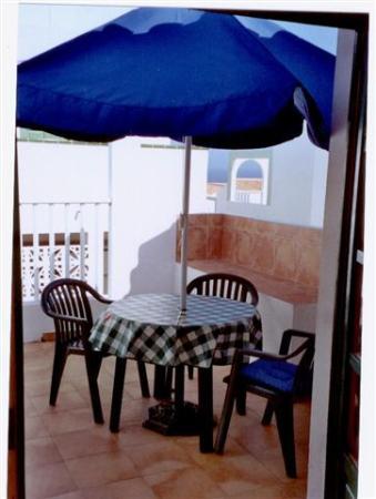 Caleta Paraiso Apartamentos: sun terrace