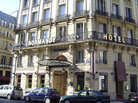 My plasma tv picture of normandy hotel paris tripadvisor for Design hotel normandie france