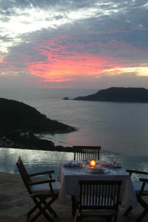 Amuleto: Dinner at sunset