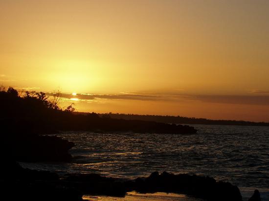 Coral Cove Resort: Sunrise January 23, 2006