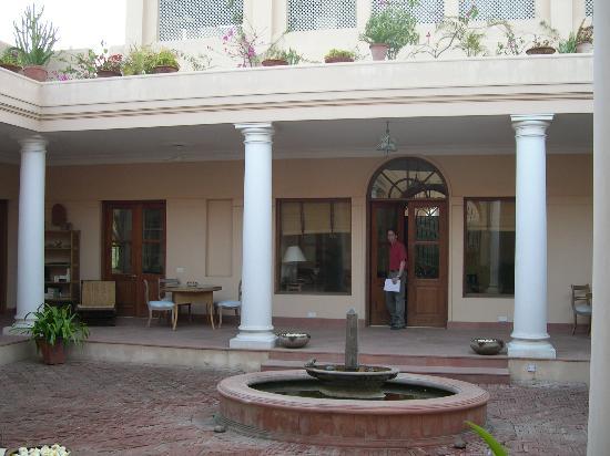 Tikli Bottom: The wide veranda