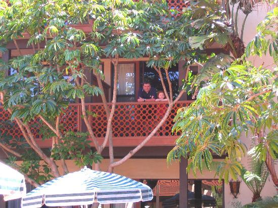 La Jolla Shores Hotel: View of our balcony
