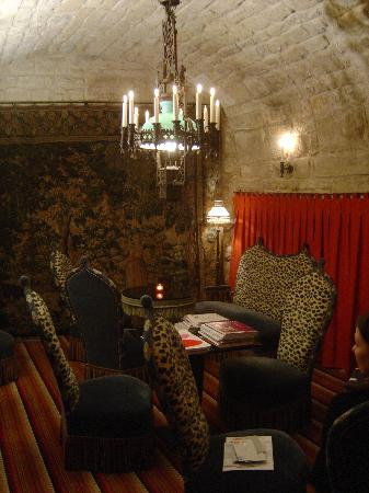 Hotel Bourg Tibourg : breakfast room