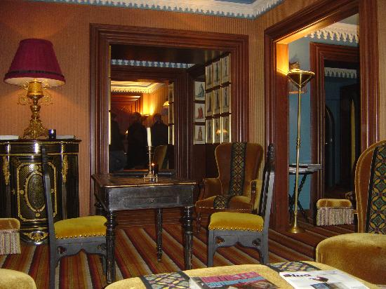 Hotel Bourg Tibourg: lobby