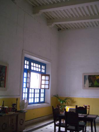 Las Arecas: dining room and foyer