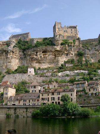 Sarlat-la-Canéda, فرنسا: Beynac Castle