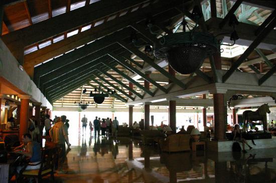 Iberostar Selection Bavaro: Lobby in main building