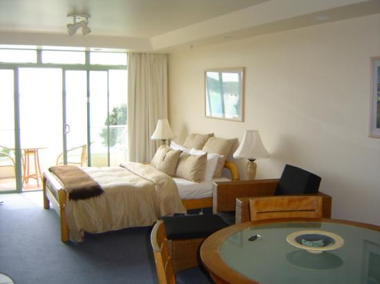 Paihia Beach Resort & Spa: Superior Room with additional private bedroom
