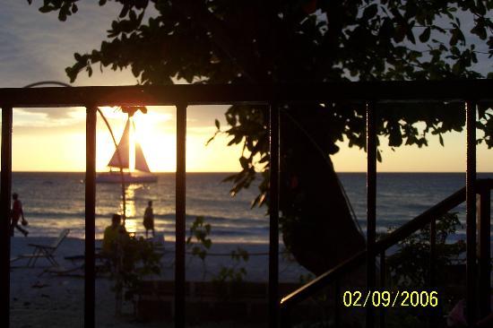 Donaldson's Inn on the Beach: Donaldson's Inn - Beachhouse view