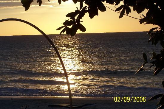 Donaldson's Inn on the Beach: Donaldson's Inn - Sunset from my porch