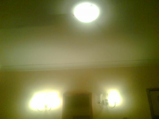 Best Western Linton Lodge Hotel: Relaxing bedtime reading lights