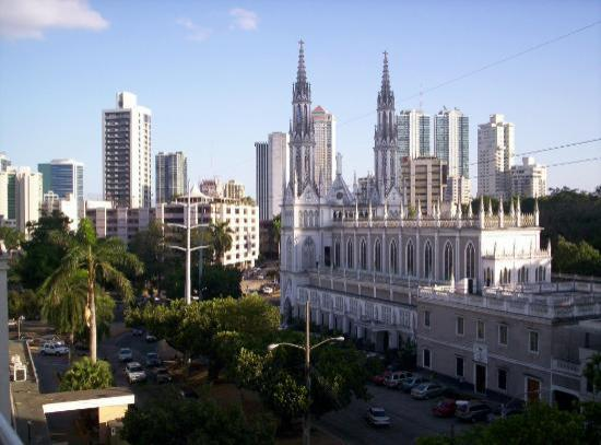 Crowne Plaza Panama: The view from my balcony