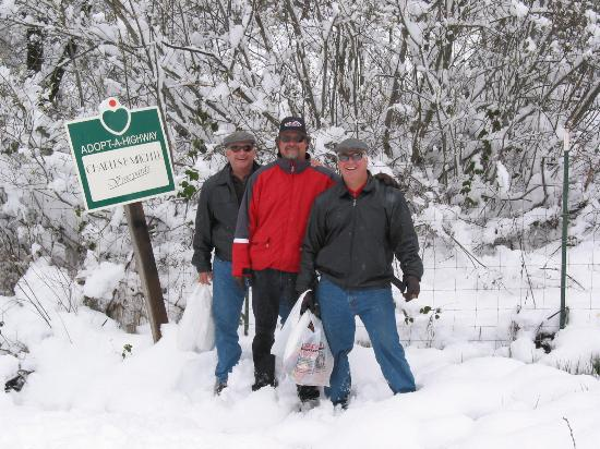 The Barkley Historic Homestead : The guys on our walk to Charles Mitchell's winery