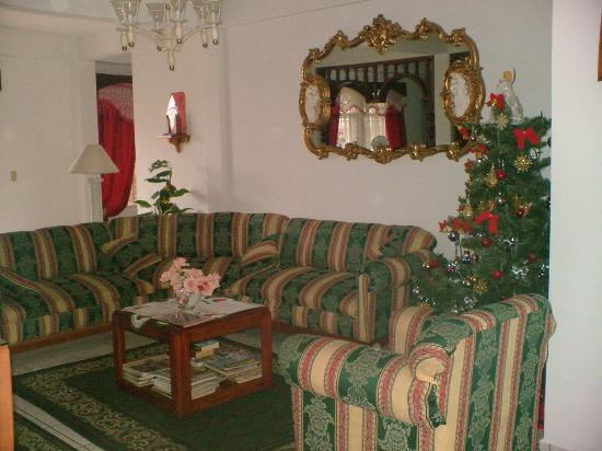 Casa Blanca Guest House: This is the common area
