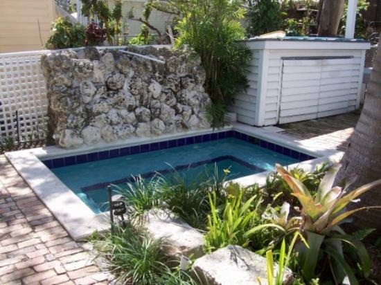 Bahama Gardens: The Hot Tub