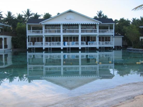 Plantation Bay Resort And Spa: The Chenonceaux House where our Lagoon view honeymoon suite on the second floor is.