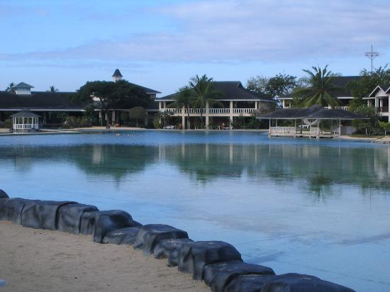 Plantation Bay Resort And Spa: Another nice view of the resort. The nice place makes picture taking easy.