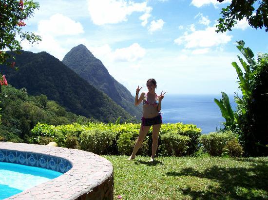 Ladera Resort: Lawn and Pool in Villa F