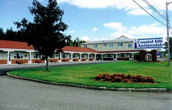 Coastal Inn Antigonish: Front of Hotel